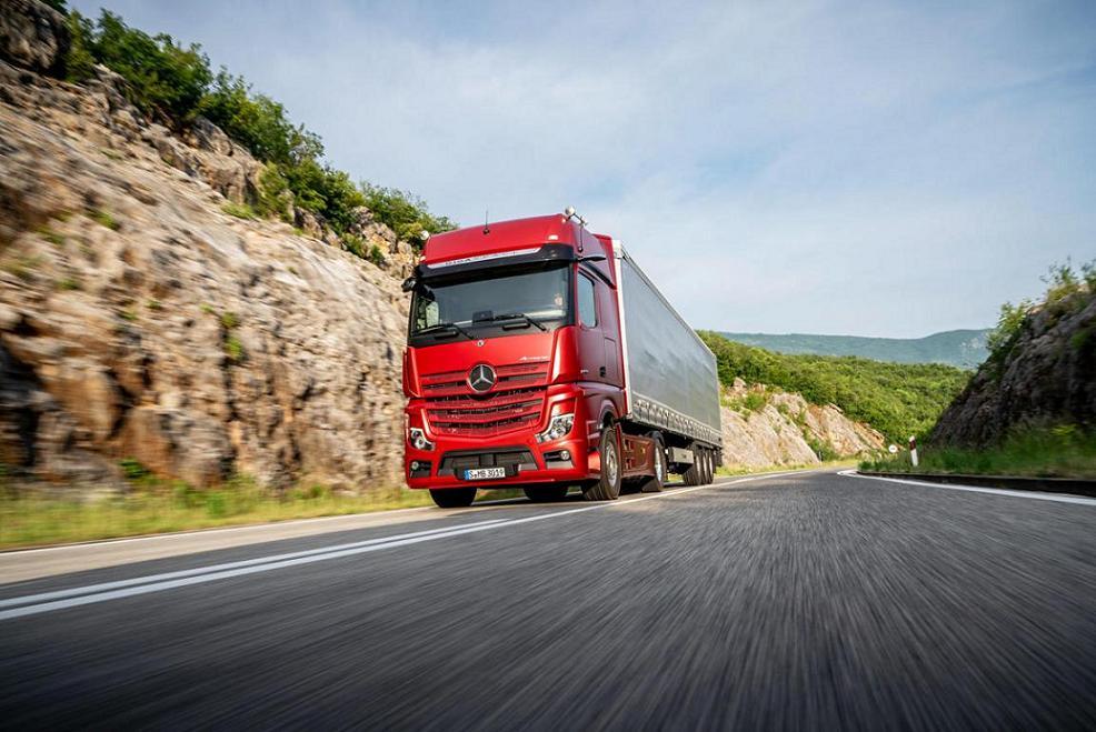 باربری زاهدان به شیراز با کامیون
