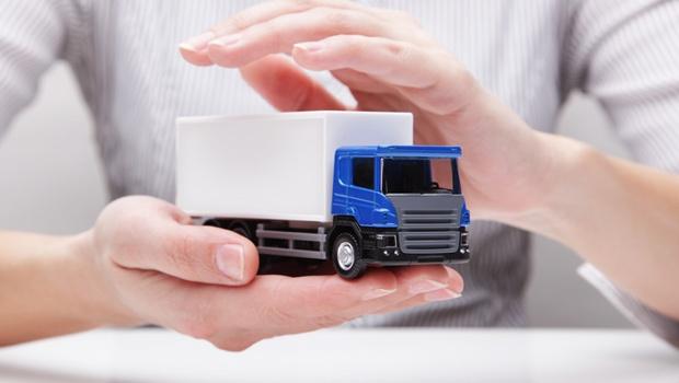 باربری با کامیون همراه با بیمه