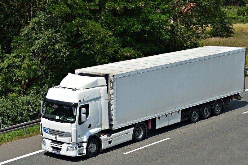 حمل و نقل باربری با تریلی و کامیون