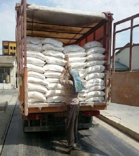 حمل کیسه های گچ با خاور