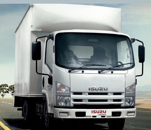 کامیونت ایسوزو برای ارسال بار و کالا به شهر گرمسار