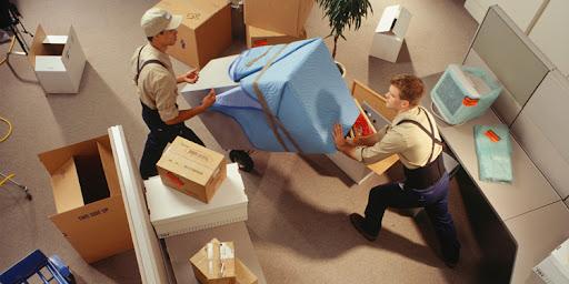 کارگر حرفه ای برای اثاث کشی