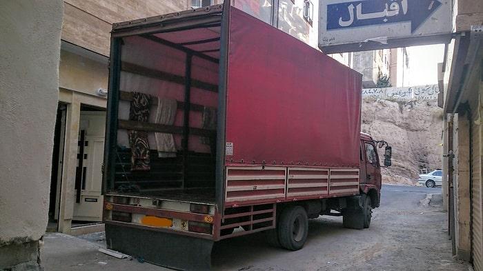 کامیون اثاث کشی